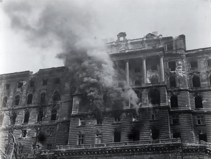 BudaiVar-1945-fortepan.hu-175146
