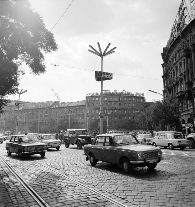 NyugatiTer-1976Korul-fortepan.hu-139897