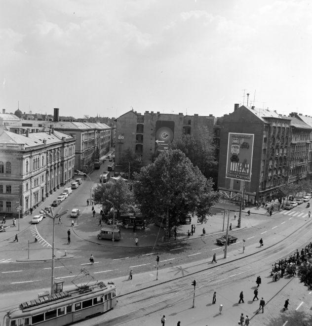 NyugatiTer-1976Korul-fortepan.hu-139960