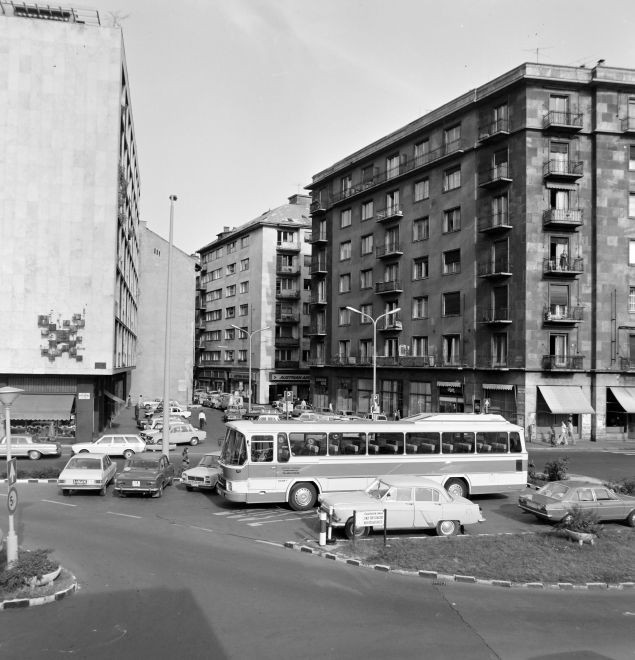 RegipostaUtca-1976Korul-fortepan.hu-139875