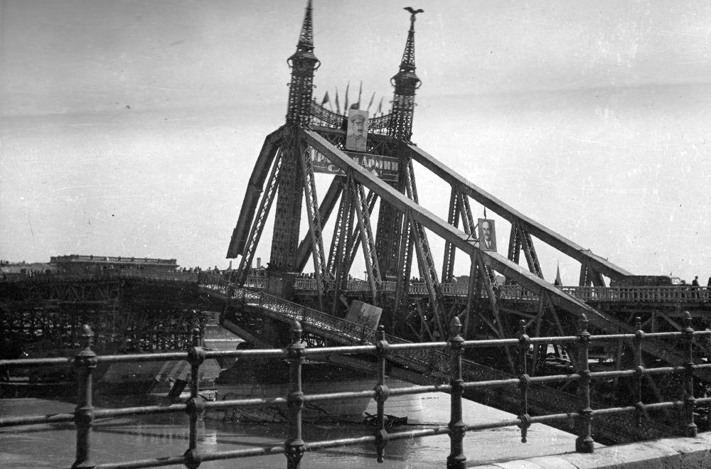 SzabadsagHid-1945-fortepan.hu-175214