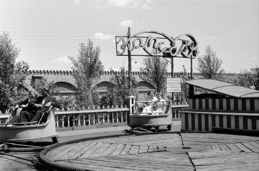Vidampark-1958Korul-Kanyargo-fortepan.hu-171287