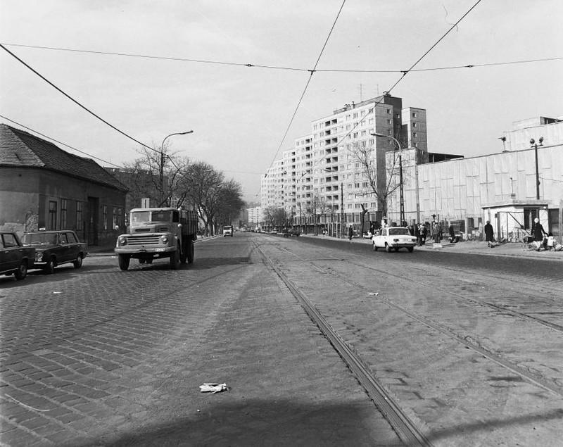 VorosvariUt-1977Korul-fortepan.hu-170858