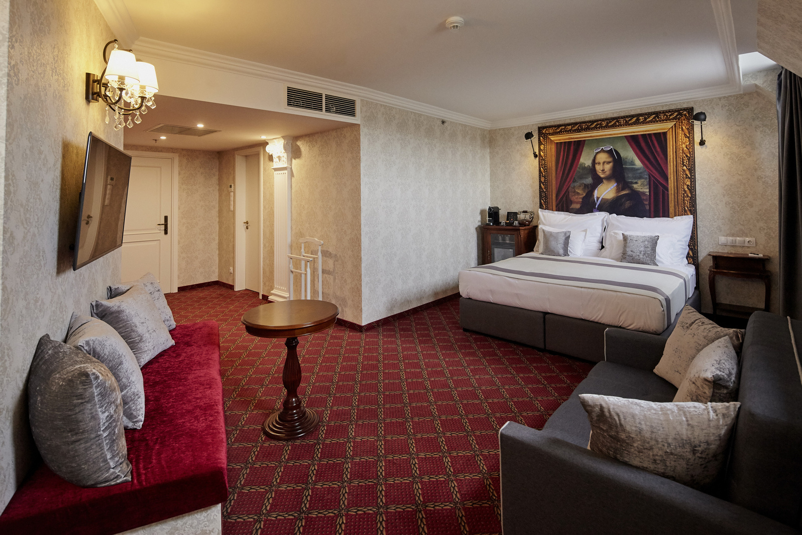 MysteryHotel-2019-Studio Suite with sofa bed Corinthian-1