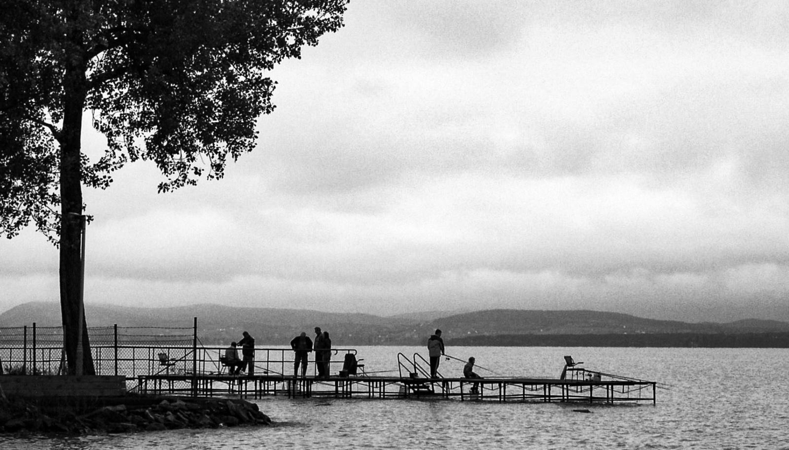 Horgászok esőbenFF