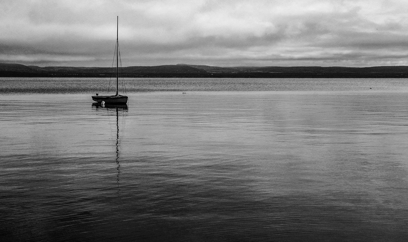 Magányos hajó reggelFF