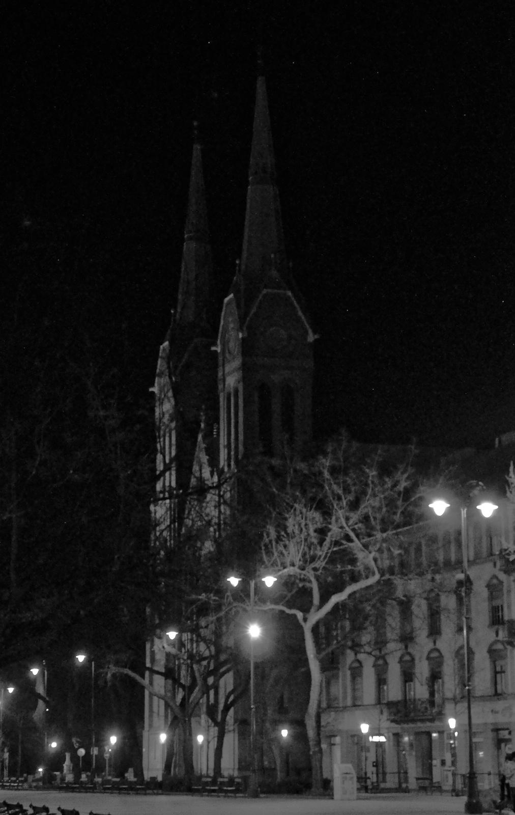 Templom éjjel