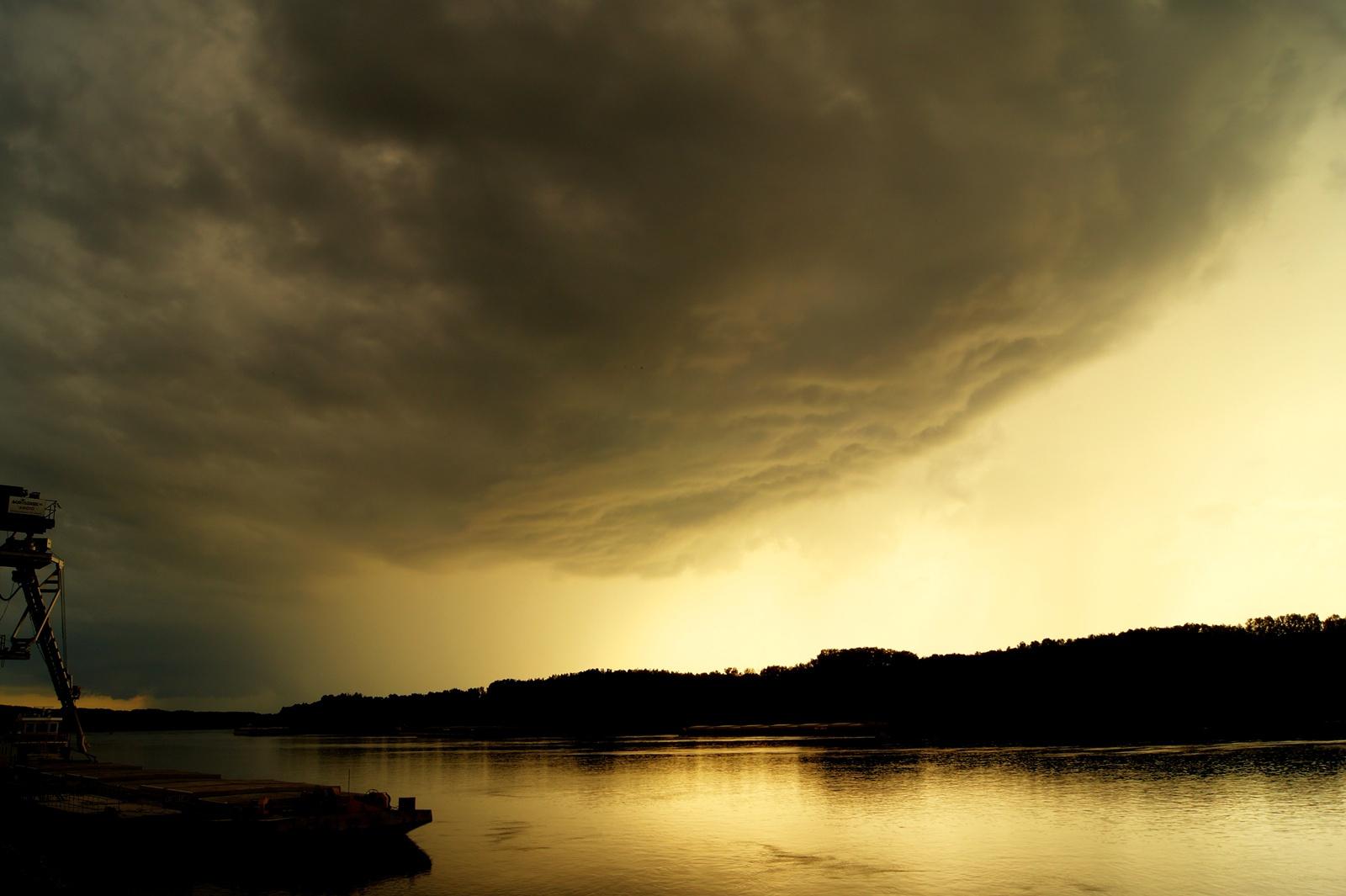 Vihar előtt 1
