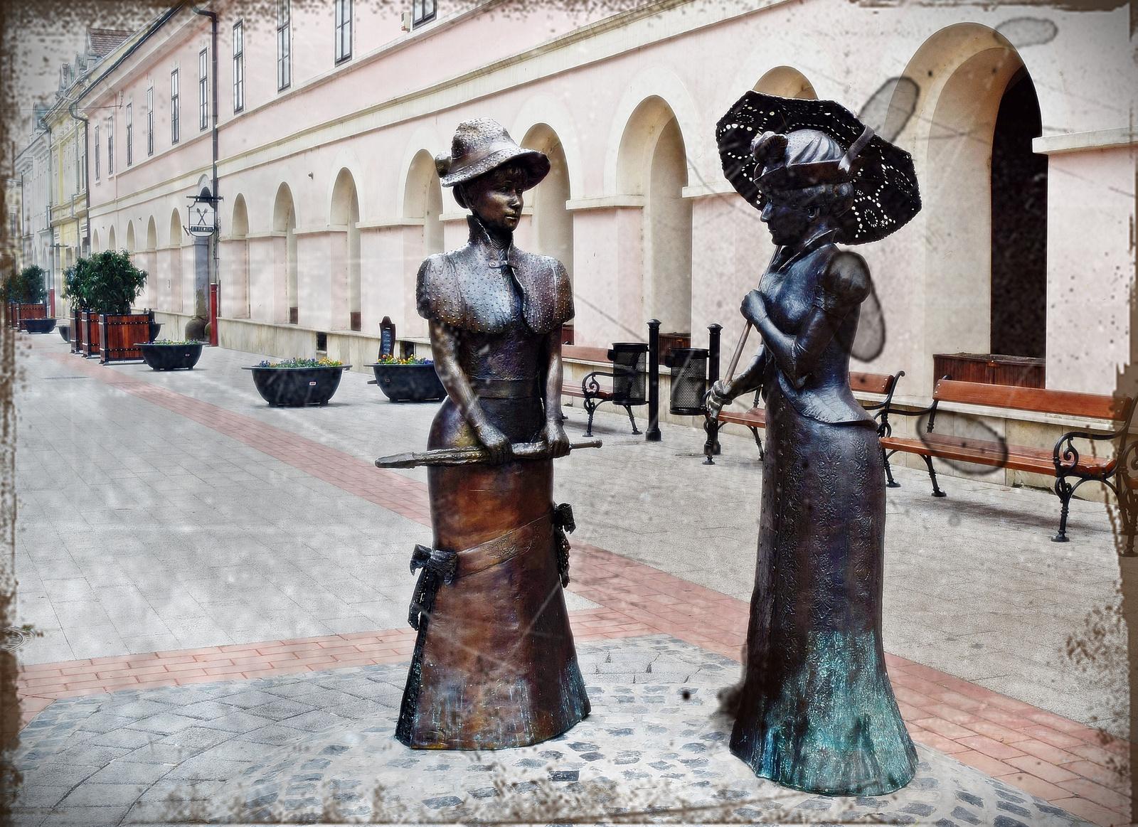 Kereskedő feleségek szobra