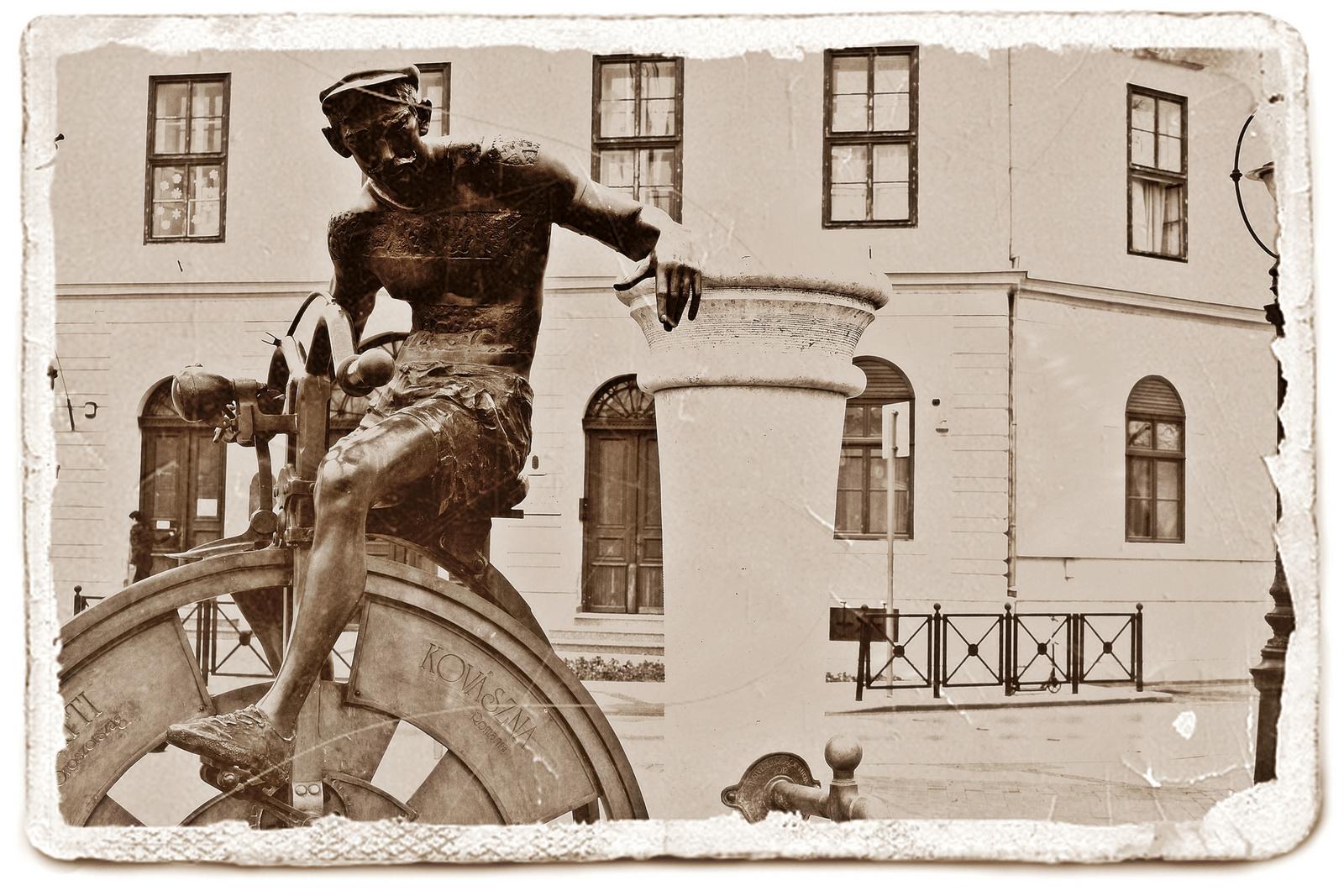 A Gépember szobra ( Testvérvárosok kútja )