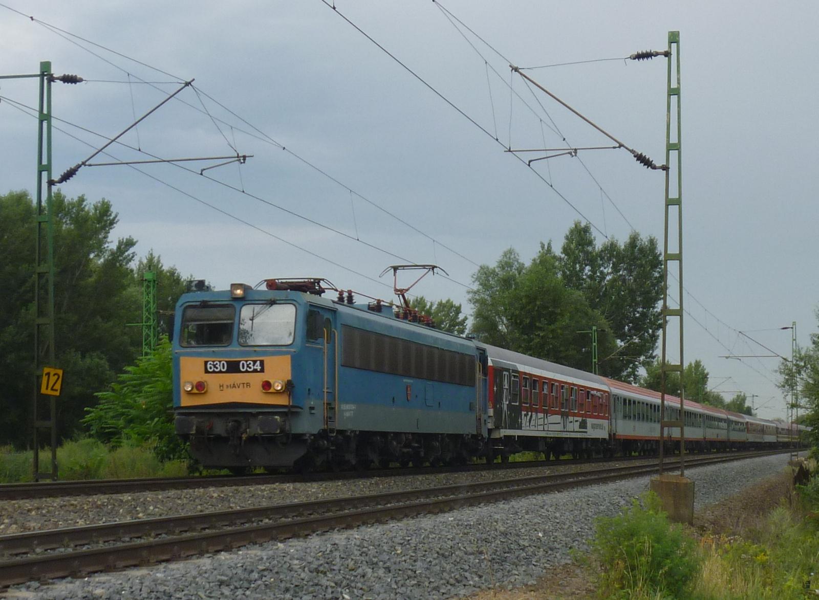 630 034 a Sziget vonattal