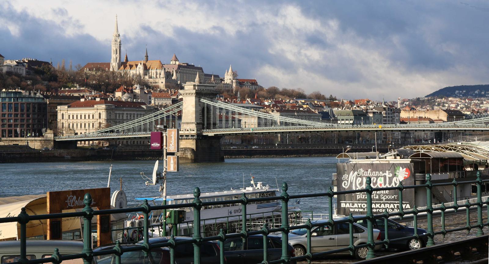 BudapBudapest eső után 010