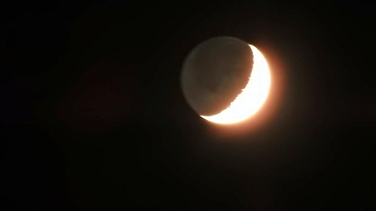 A fény megeszi a Holdat :)