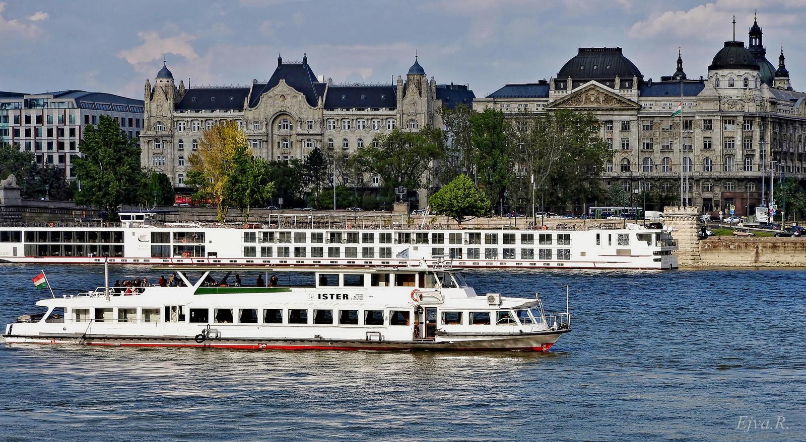 Duna Budapest Hajók