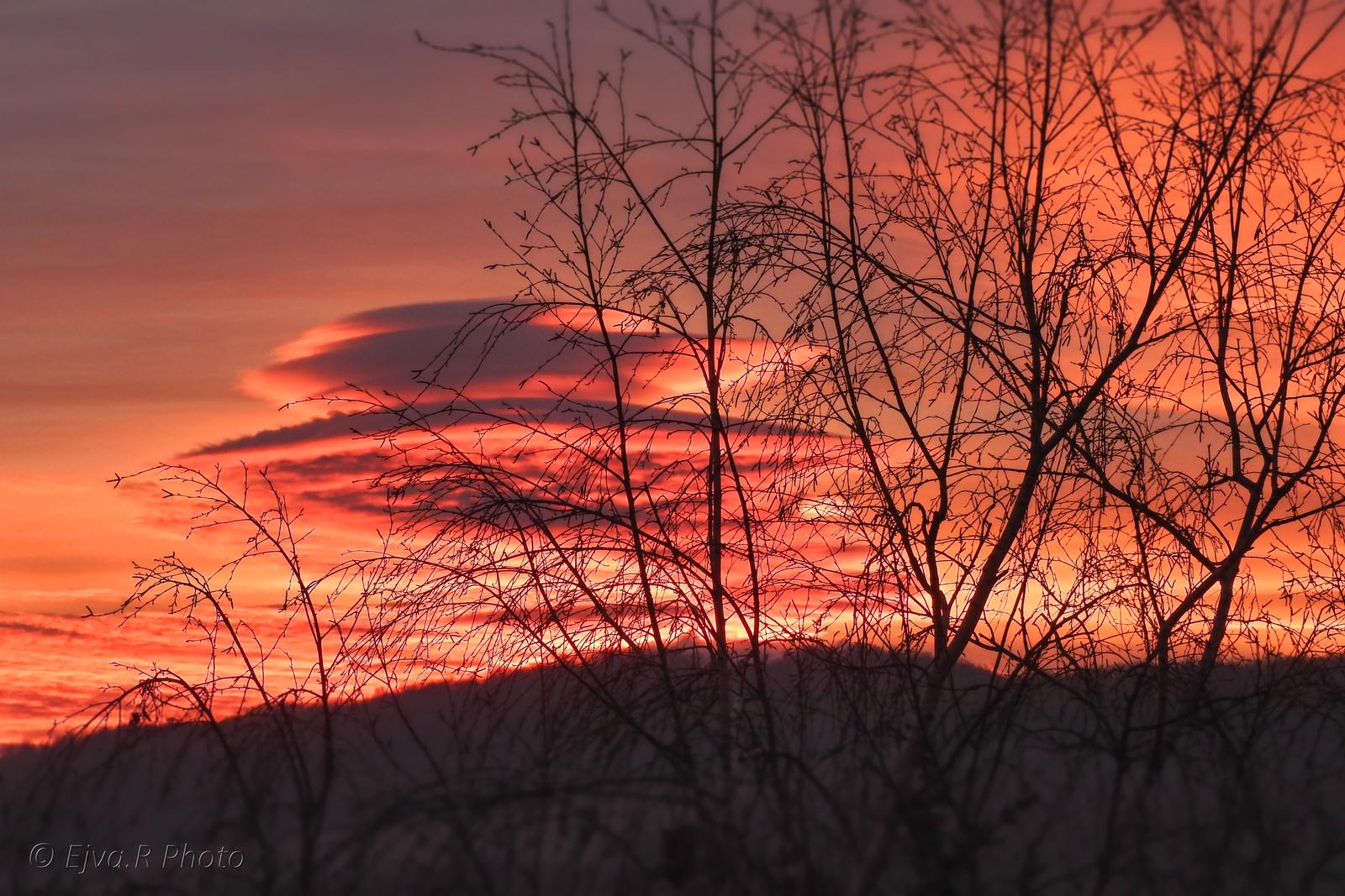 Napfelkelte Felhők