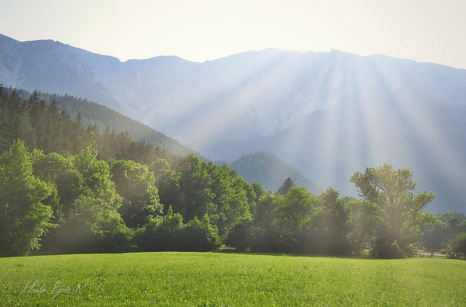 Napfény Hegyek nyár