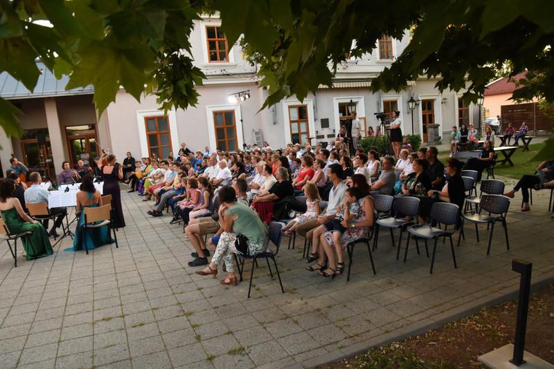 VG-EF-kamarazenekar-koncert 20.07.04-1920.jpeg 155