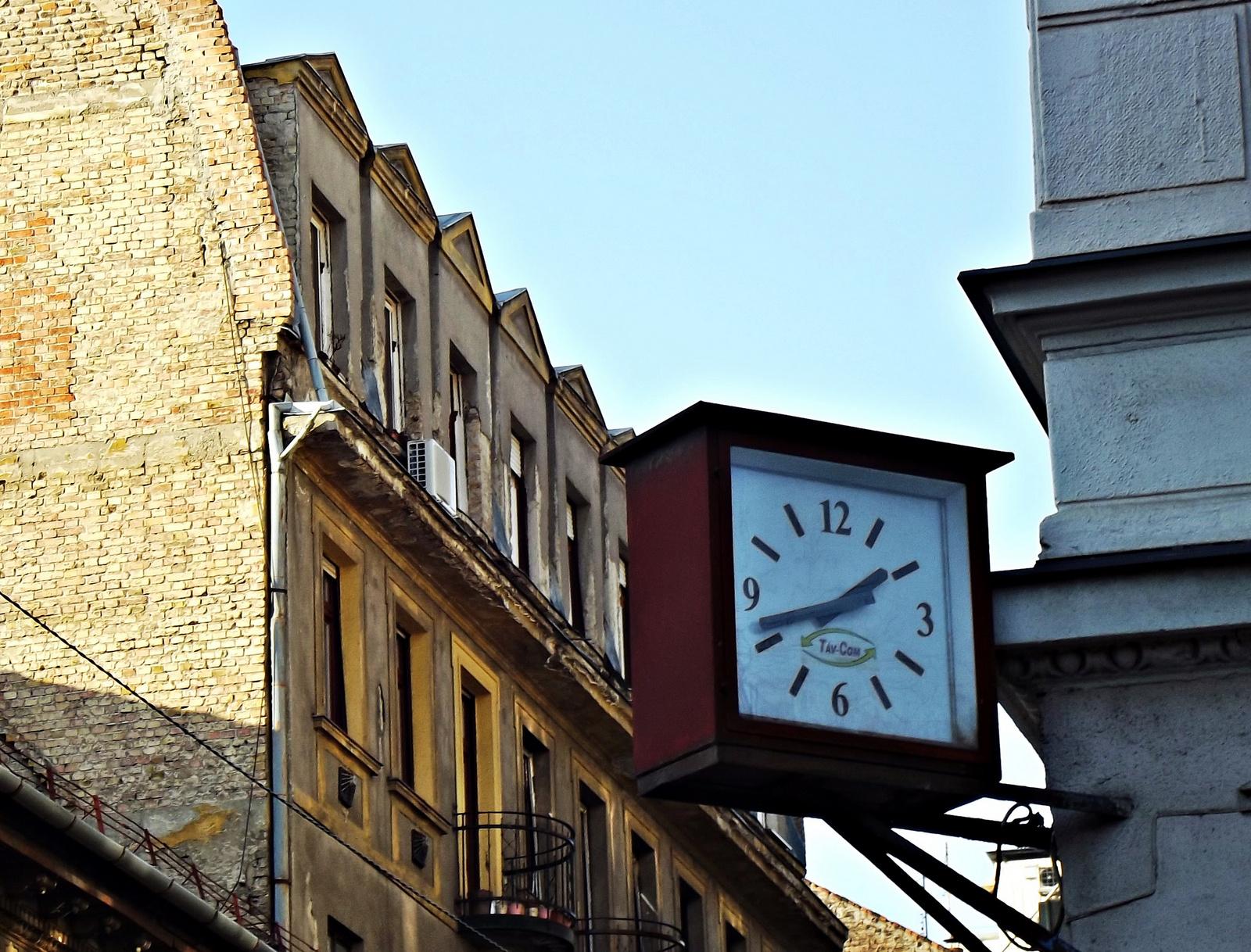 városi óra