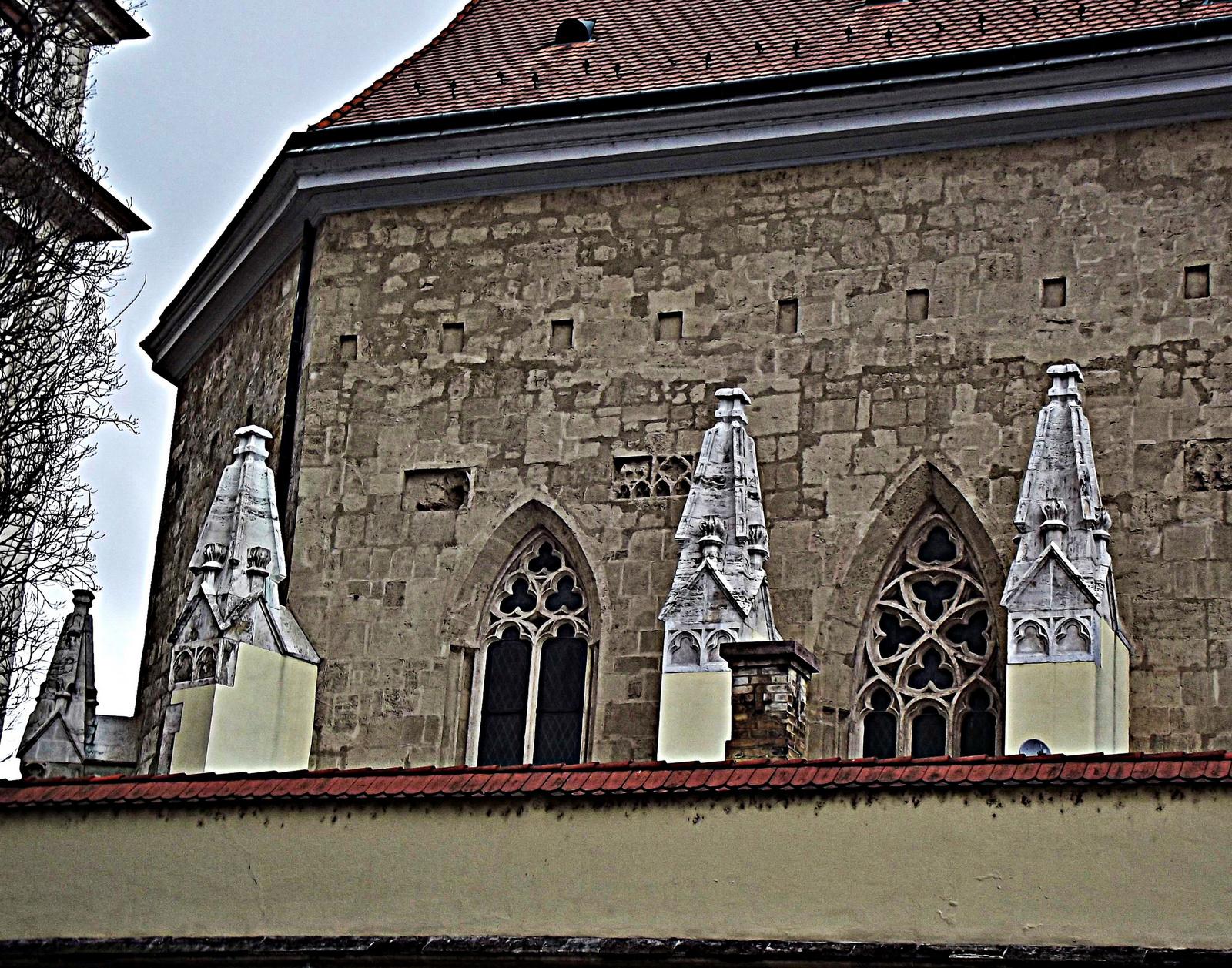 négy tornyocska