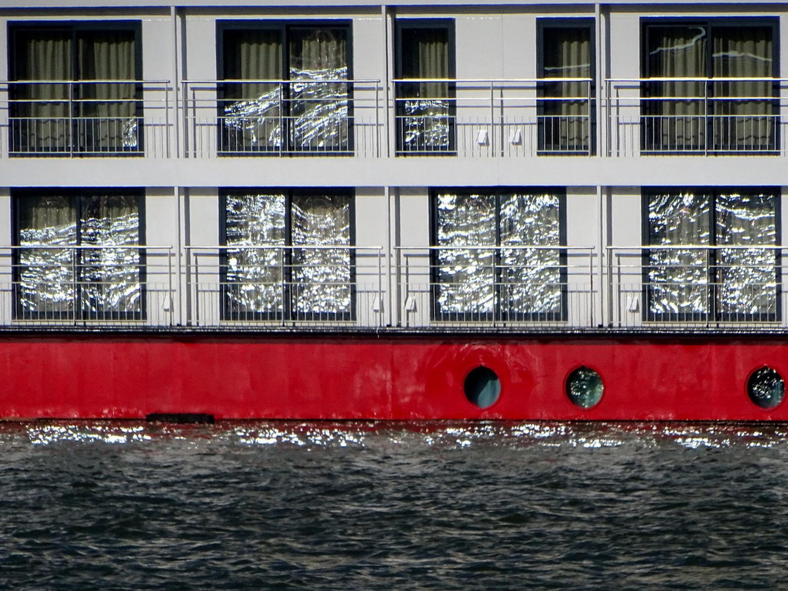 Hullámos ablakok