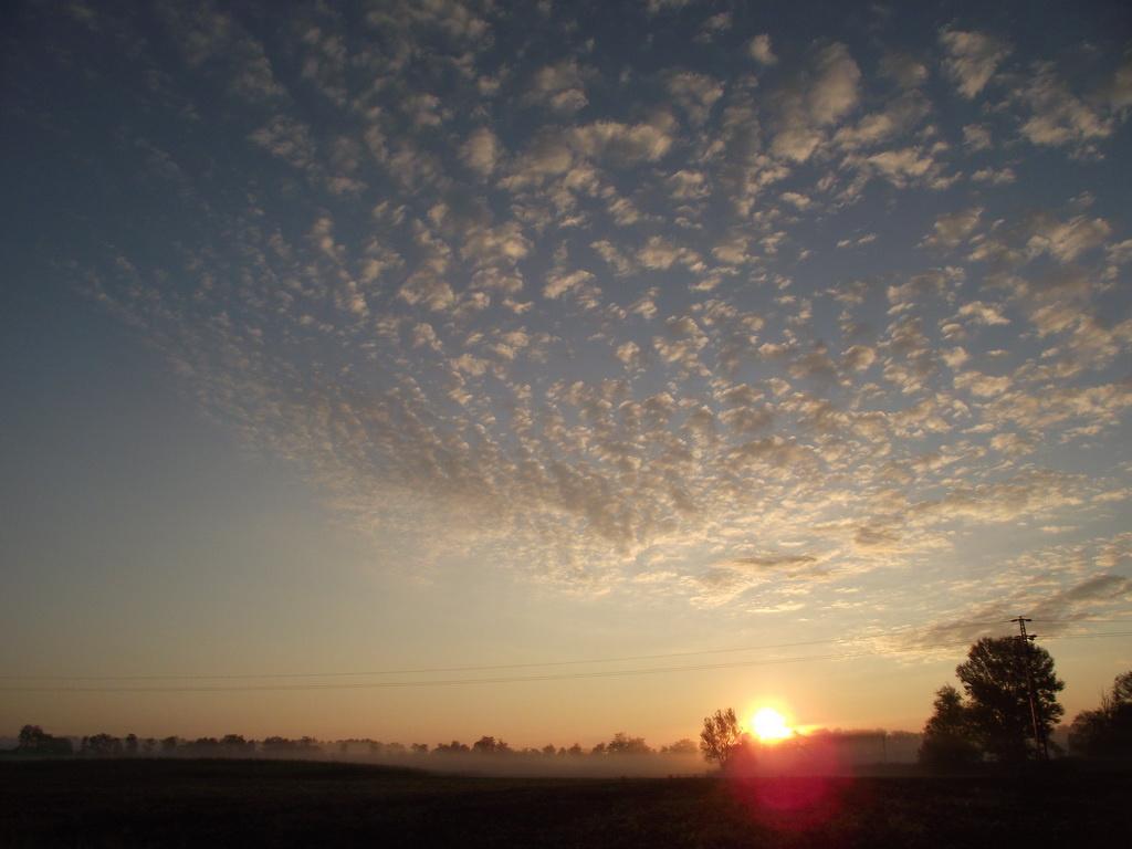 Reggeli felhők