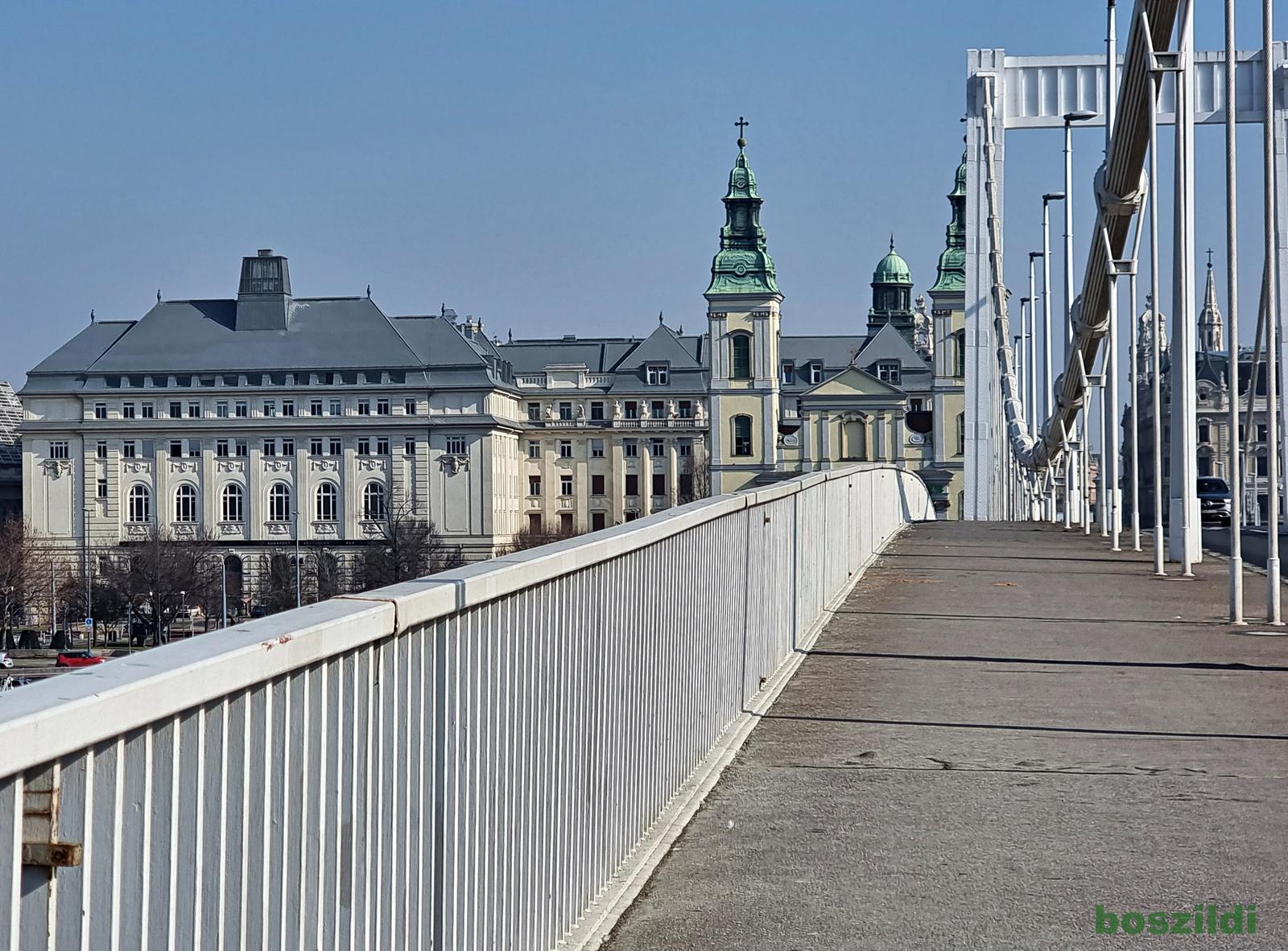 Erzsébet hídról