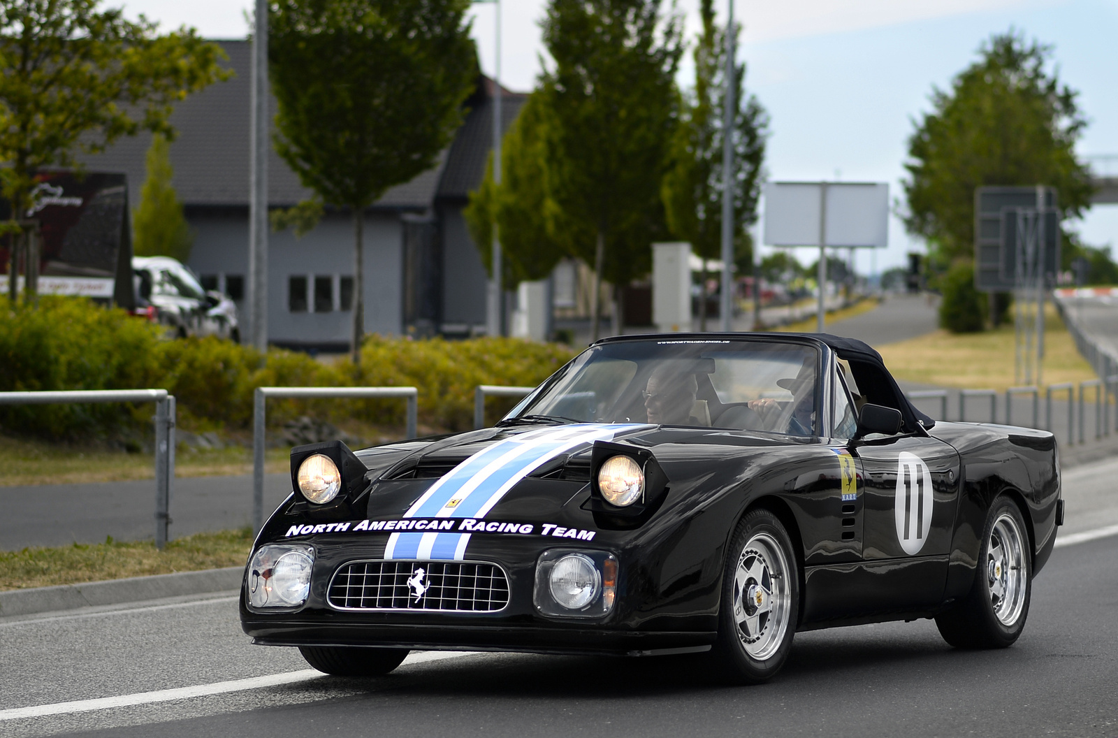 Ferrari 365 GT NART Spider