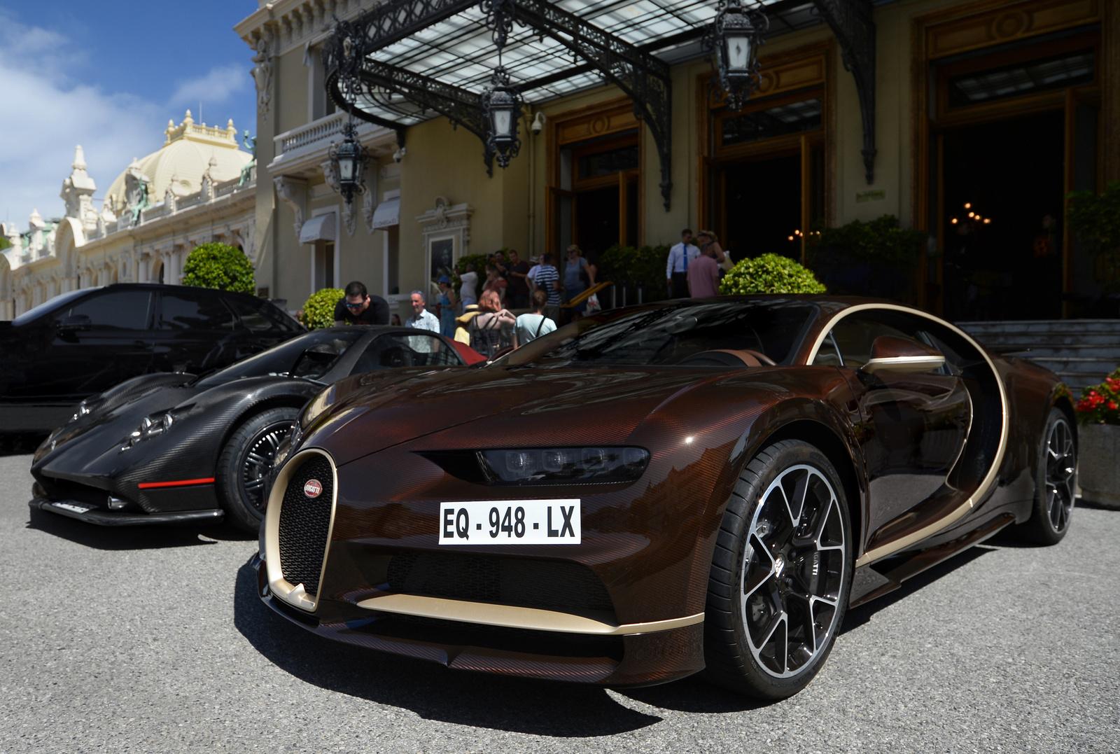 Bugatti Chiron - Pagani Zonda C12-F Roadster