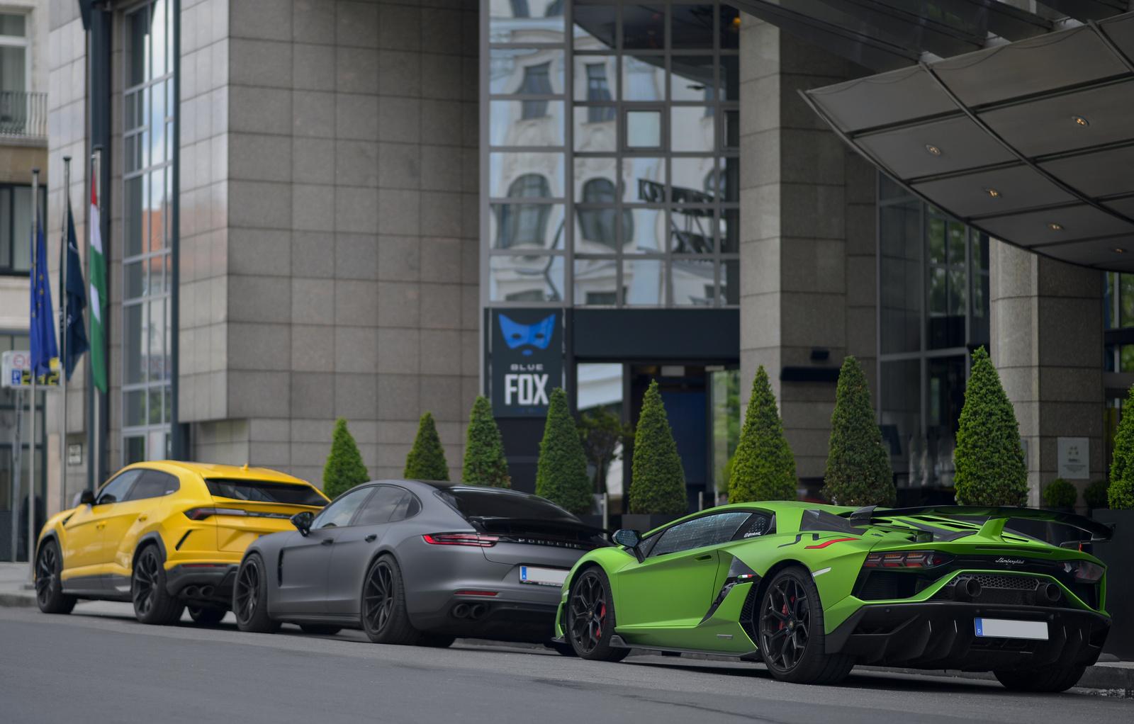 Lamborghini - Porsche - Lamborghini