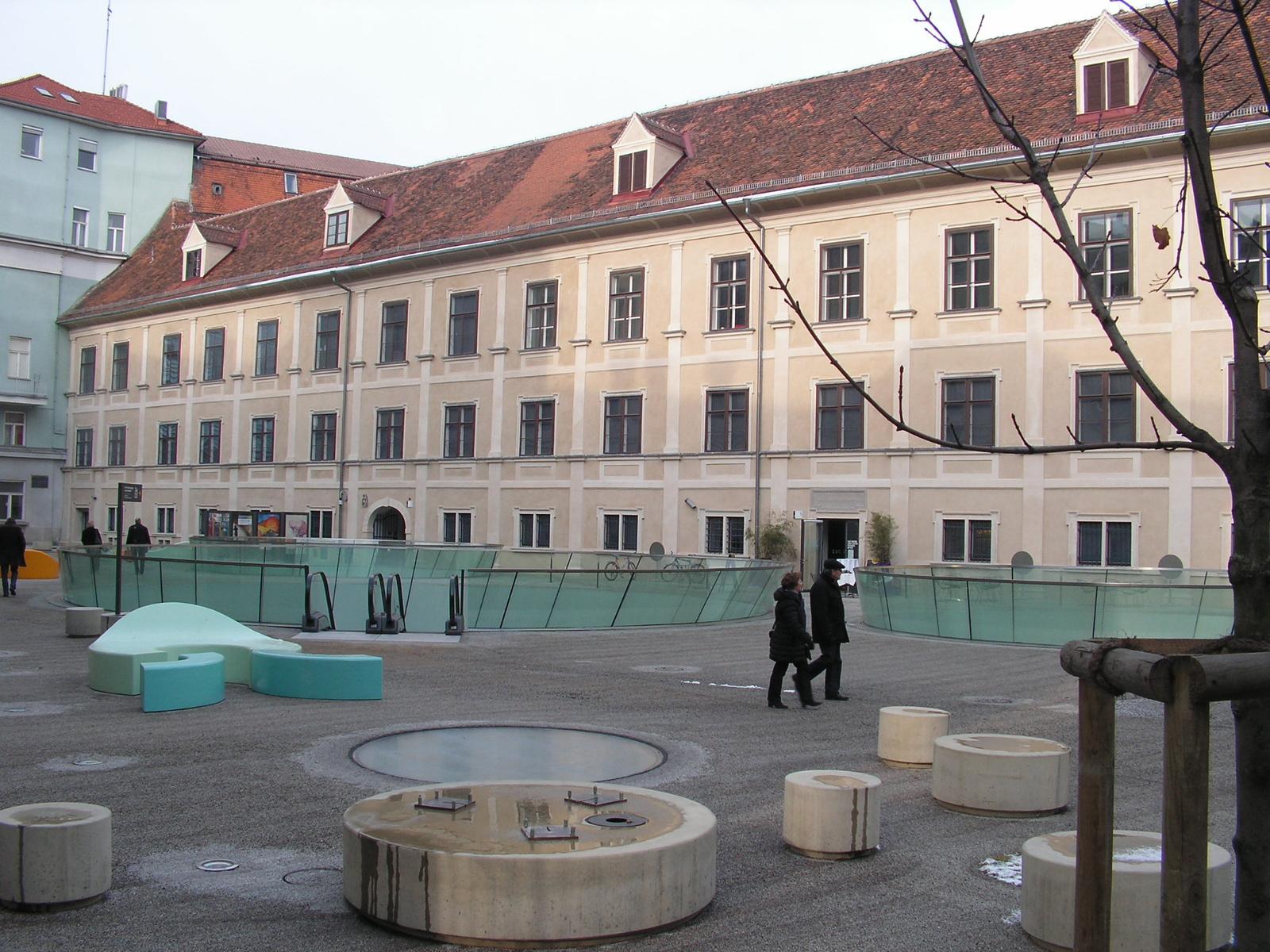Ausztria, Grác, a Joanneumsviertel, SzG3