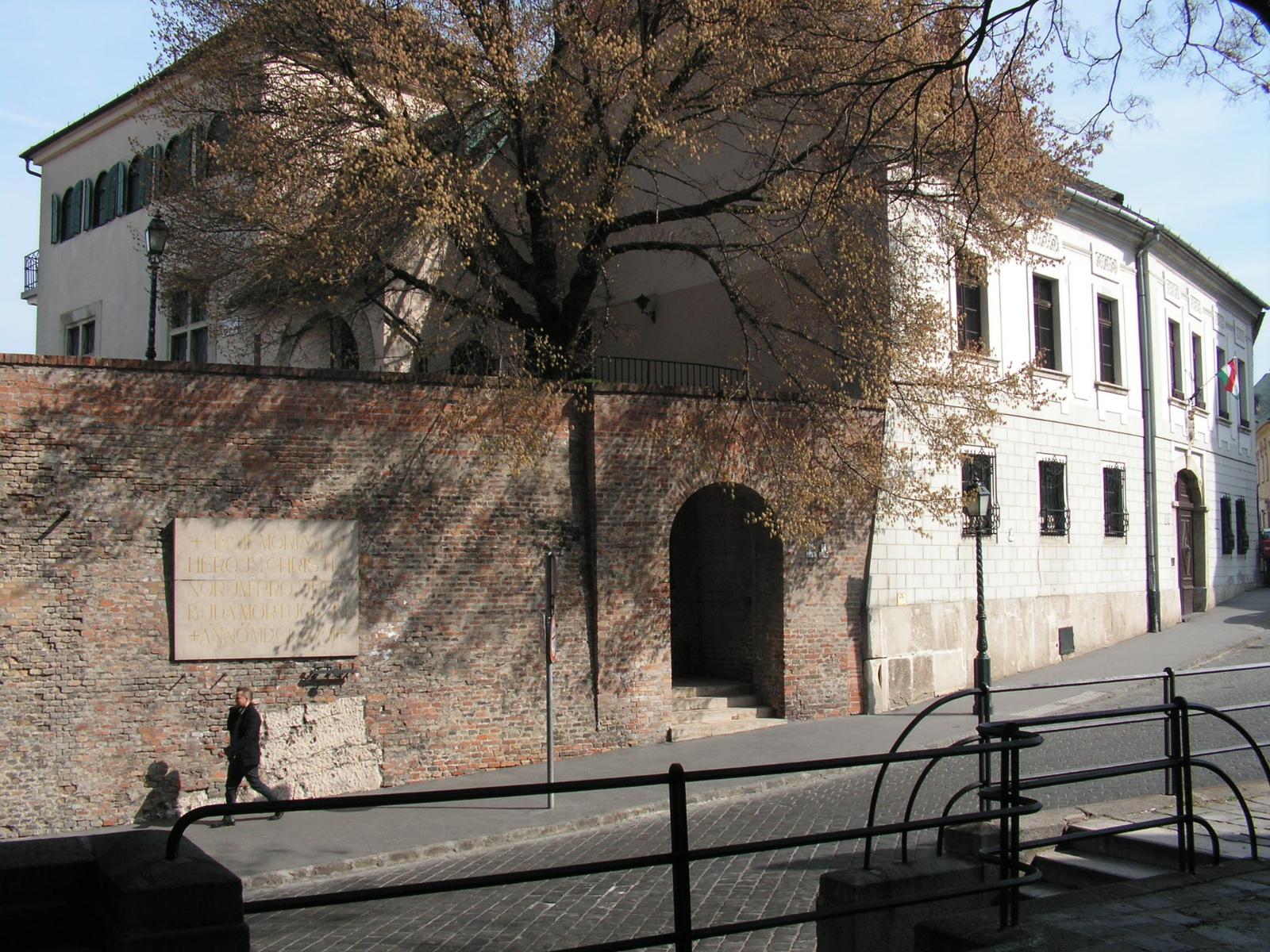 Budapest, a Budai várnegyed, a Bécsi-kapu tér, SzG3