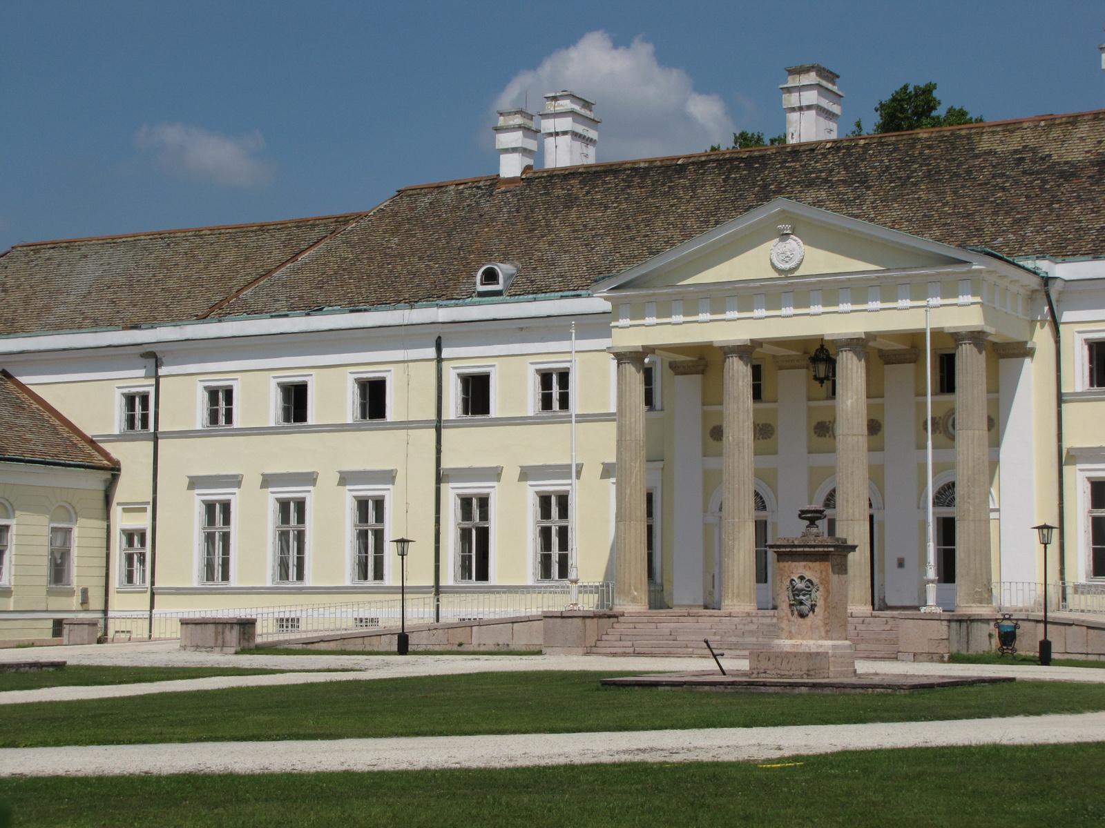 Magyarország, Csákvár, az Esterházy kastély, SzG3