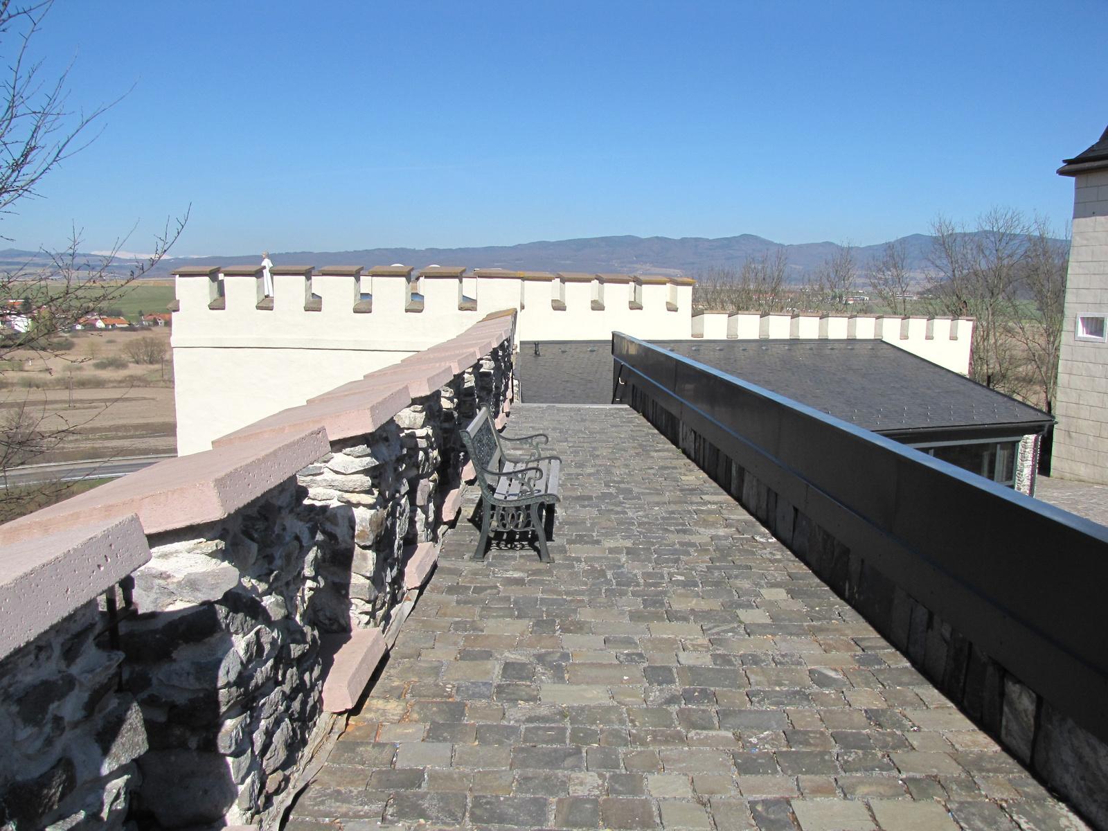 Szlovákia, Végles (Vígľaš), a vár (Zámok Vígľaš), SzG
