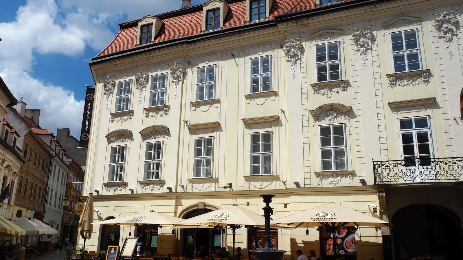 Pozsony, Erdődy palota, SzG3