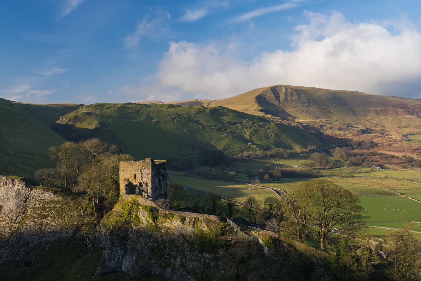 Mam Tor & Peveril Castle