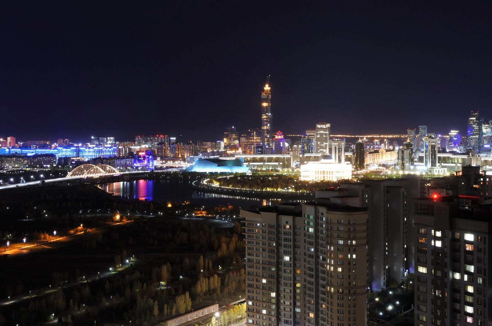 Nursultan/Astana éjjel
