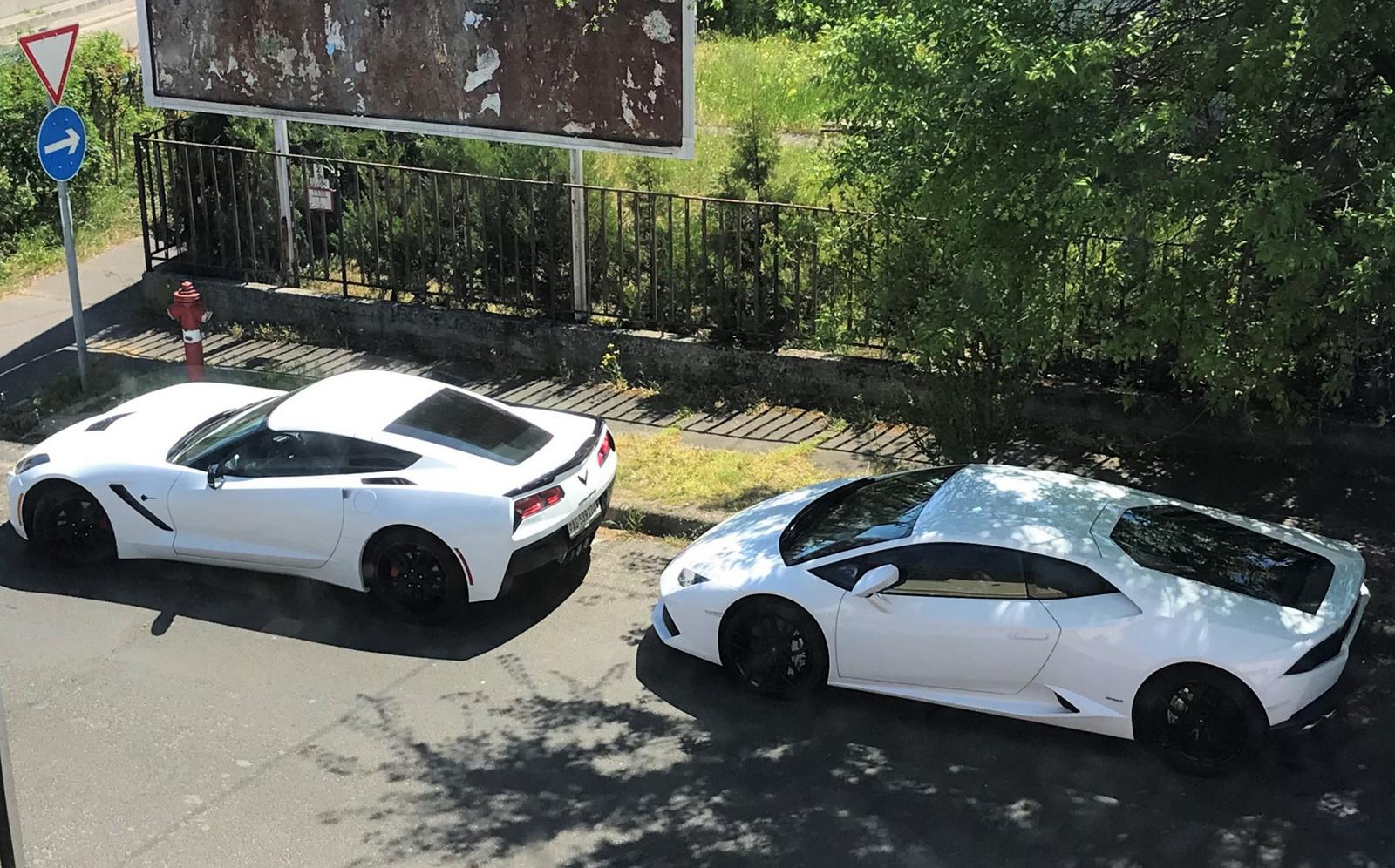 Corvette vs Huracan