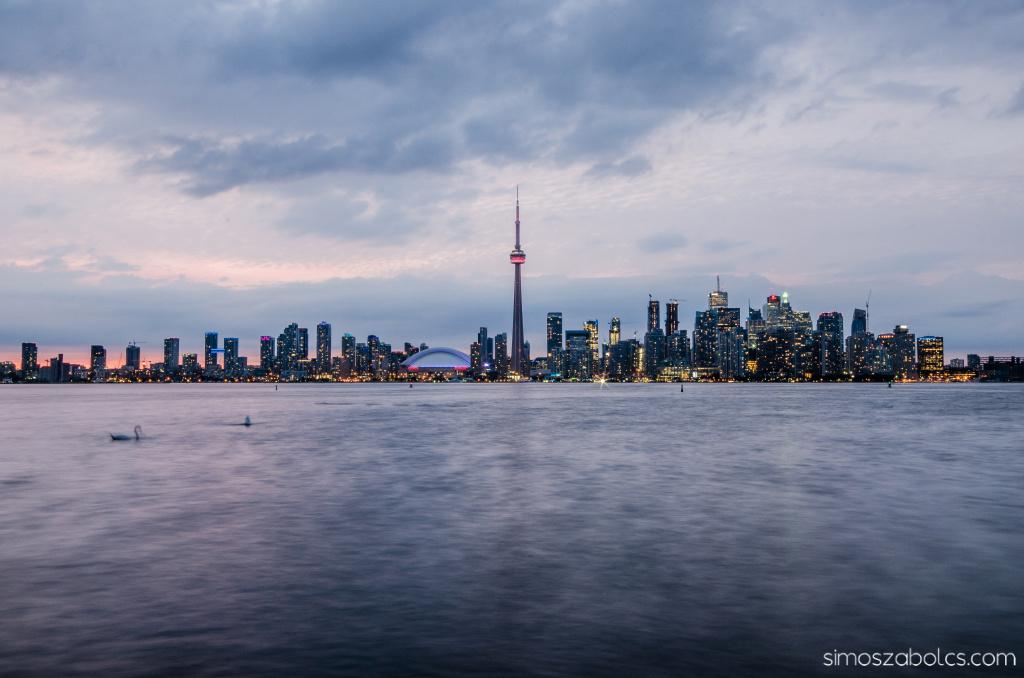 Kék óra Torontóban