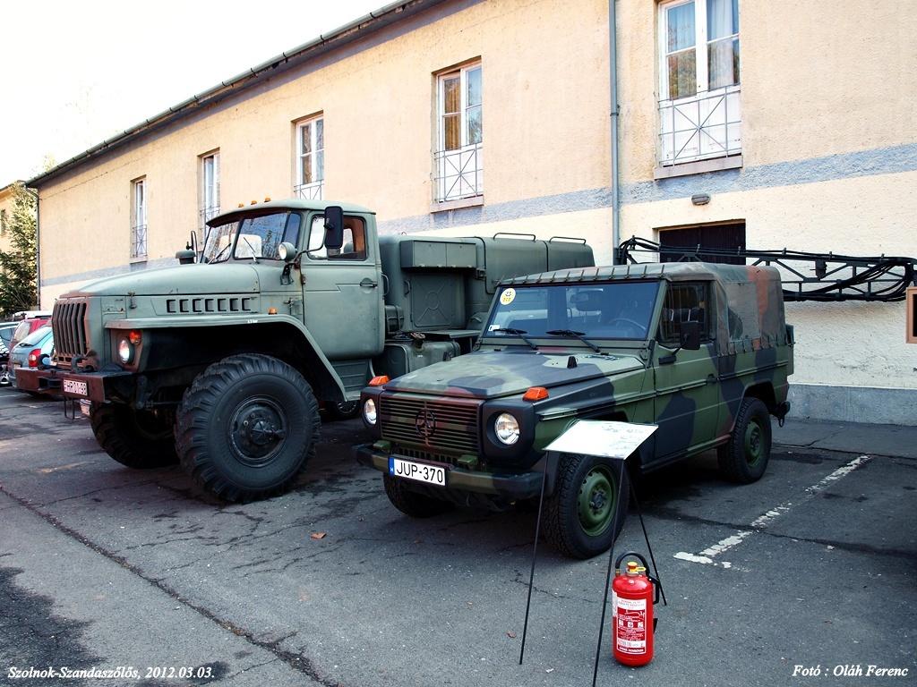 Mercedes és Ural