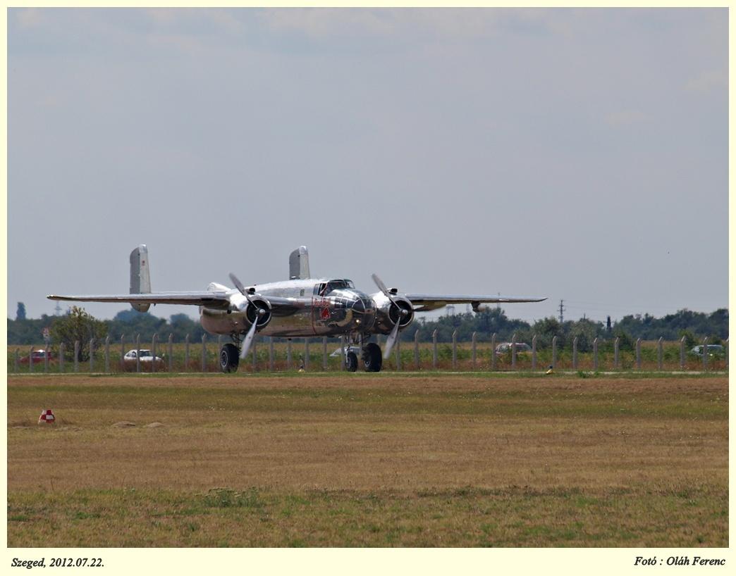 B-25 04