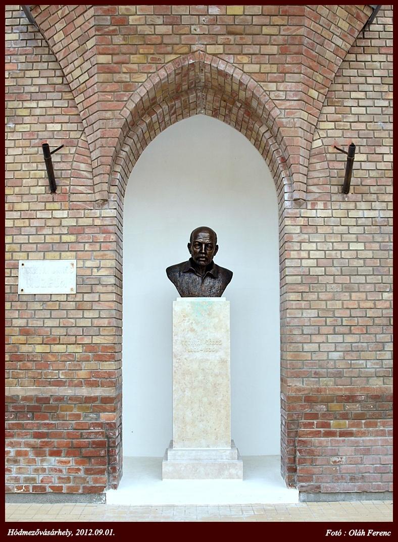 Hmvh-szobor 011