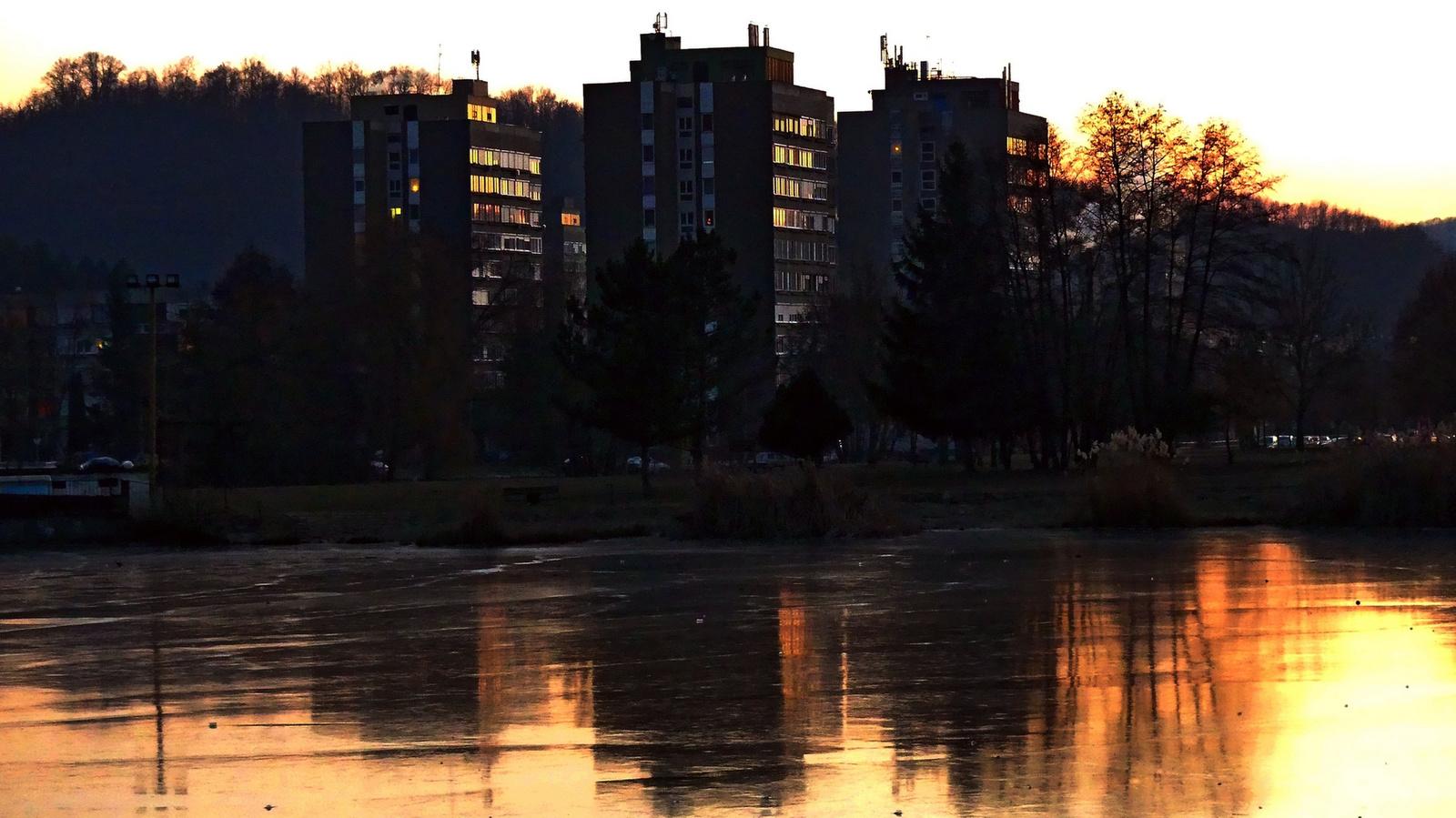 01 Esti városkép