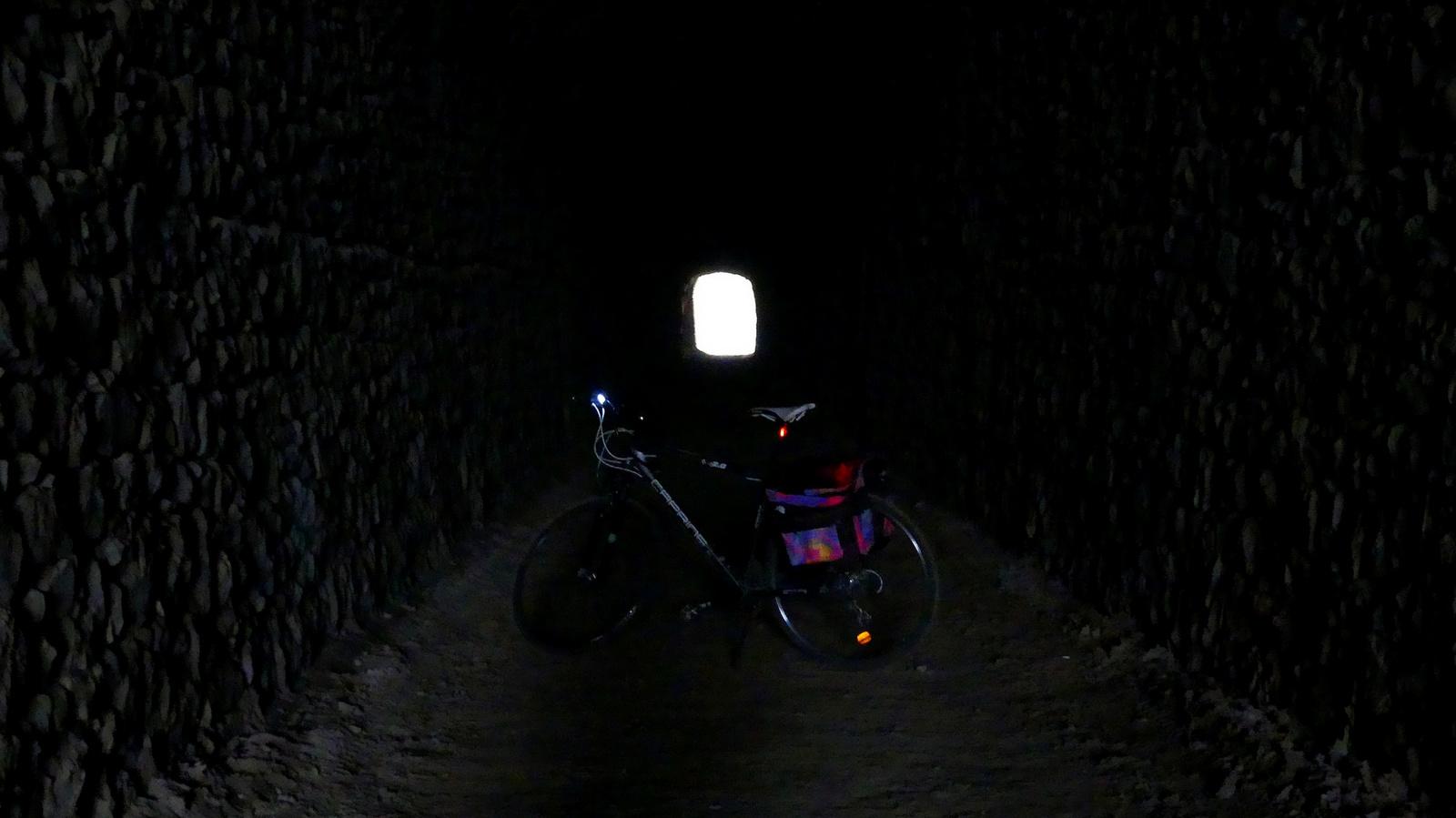 05 Bringával az alagútban