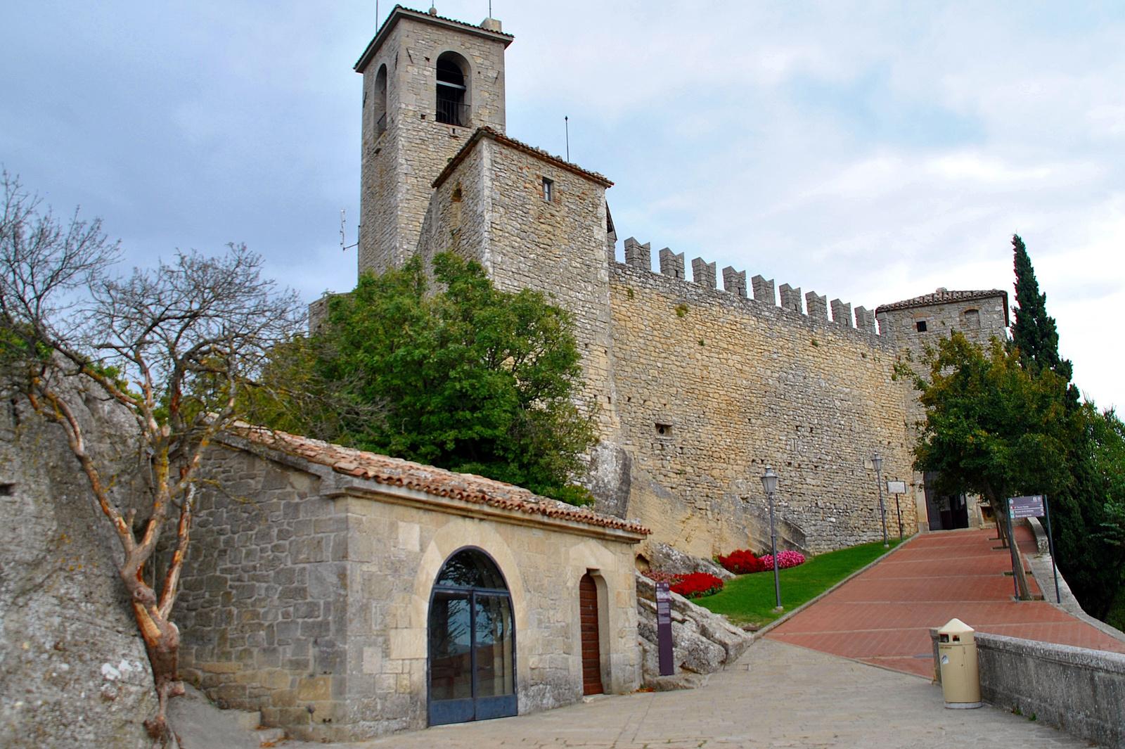 San Marino kastélya