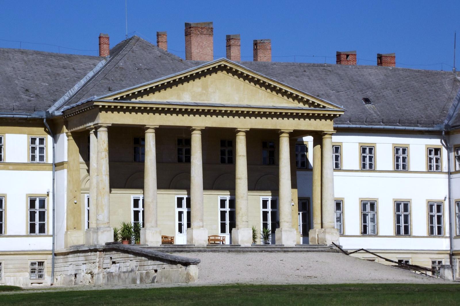 Dég - Festetics kastély