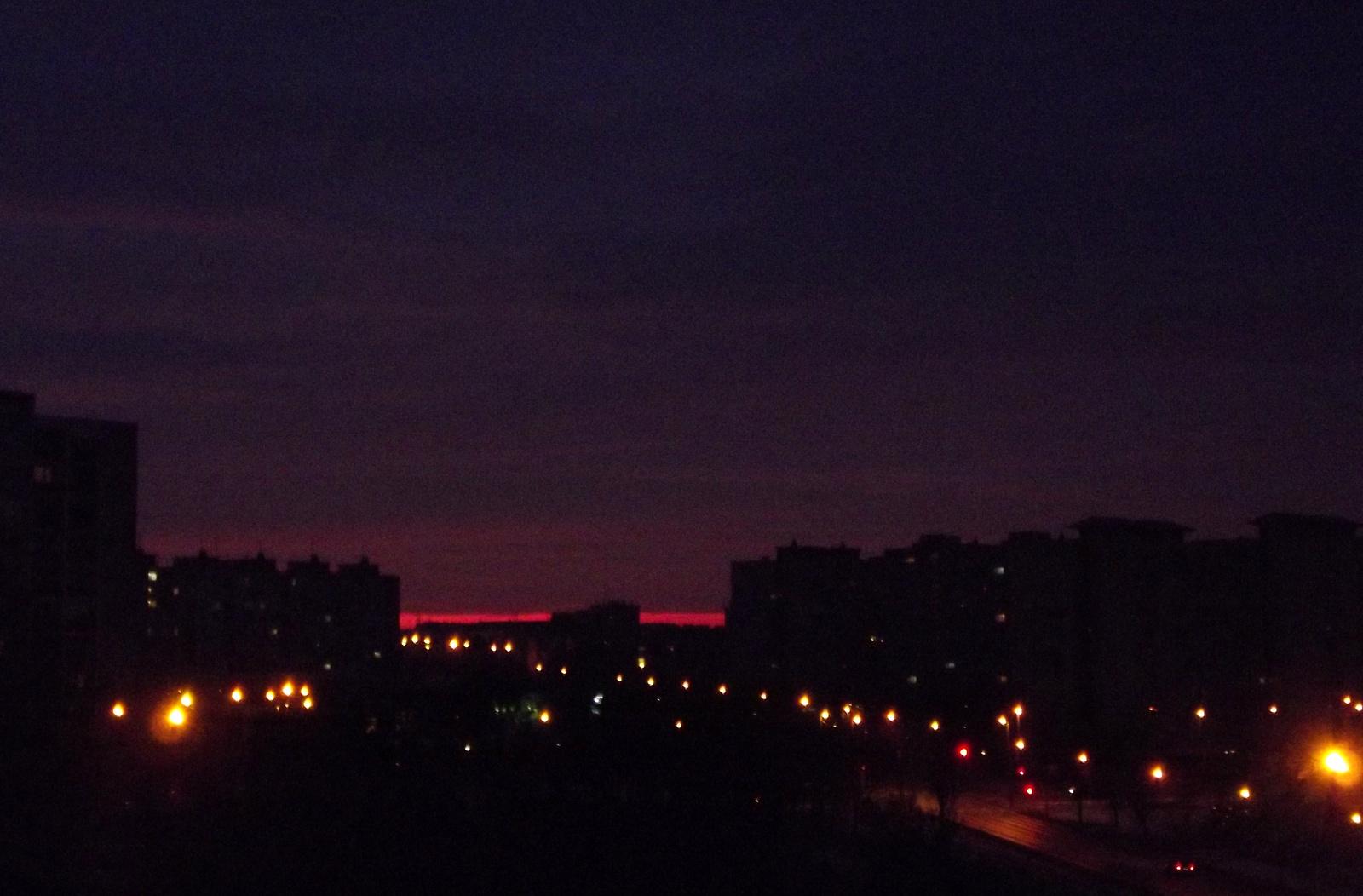 """Vörös """"híd"""" reggel"""