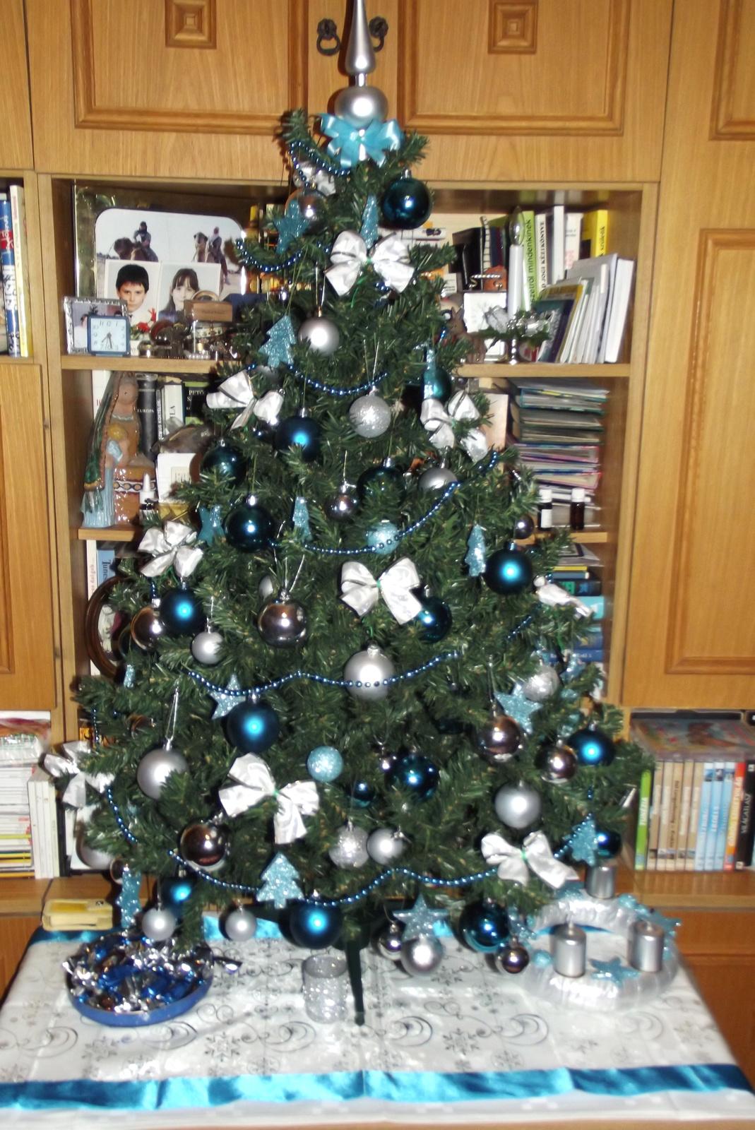 Boldog Karácsonyt Indások !
