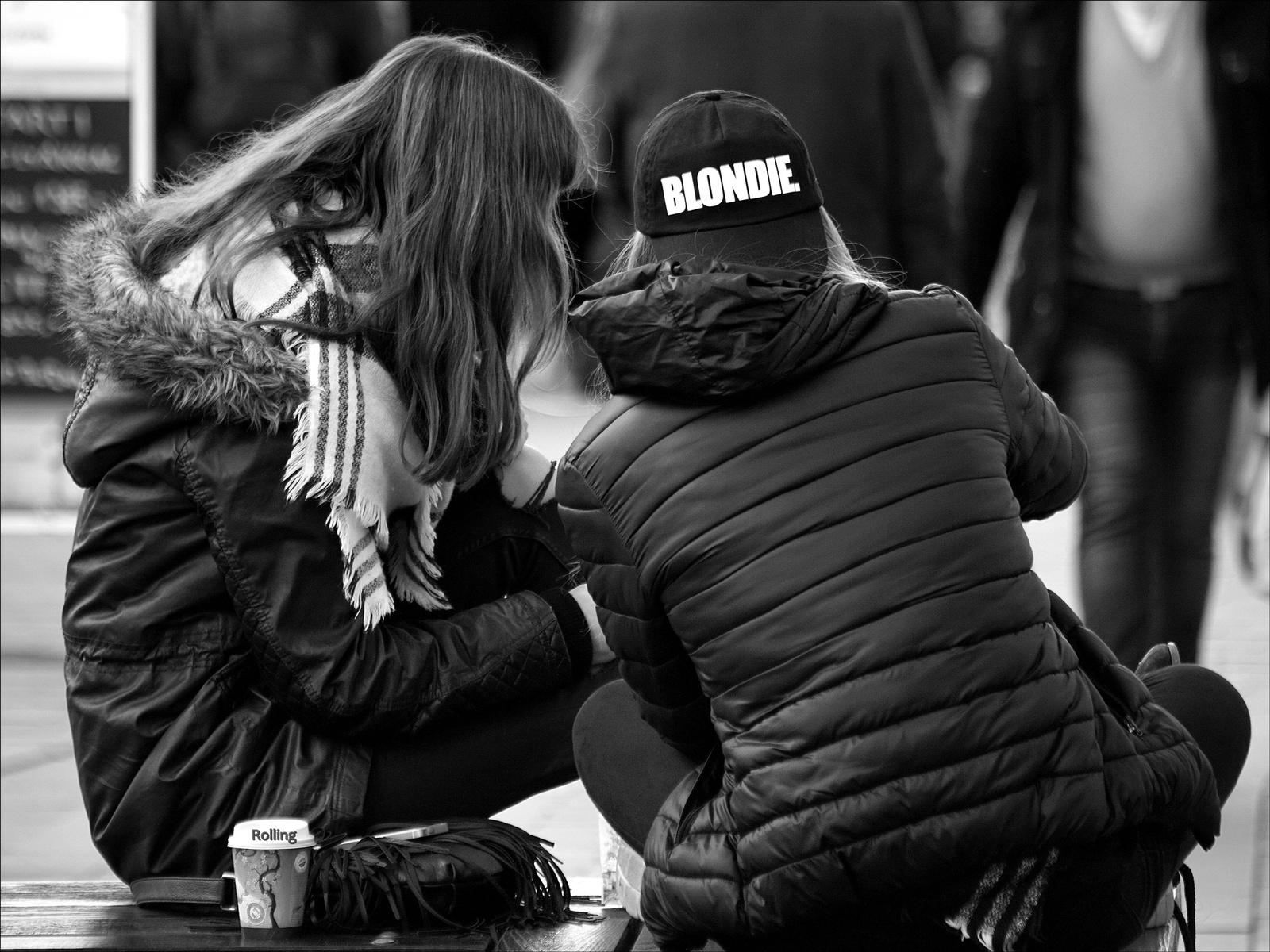 BLONDIE,,kávészünet.