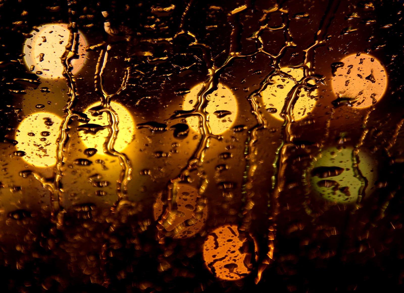 Tetőablak, eső